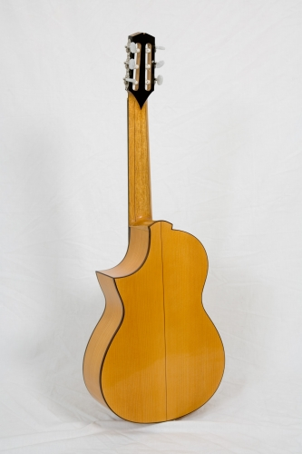 Nailonkeeled Requinto kitarr, Rodolfo Cucculelli, luthier.jpg
