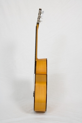 Requinto guitar sides, sides height 98 mm to 106 mm. Neck thickness 17,5 mm. to 18 mm..jpg