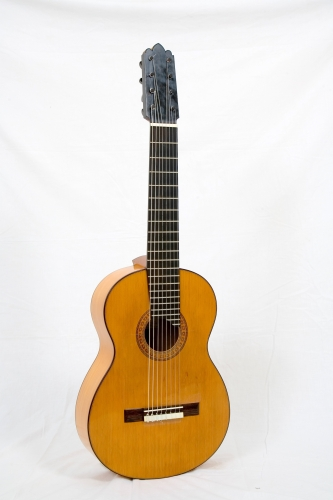 Flamenco Blanca Guitar, Western Red Cedar top, scale length 650 mm., concert model.jpg